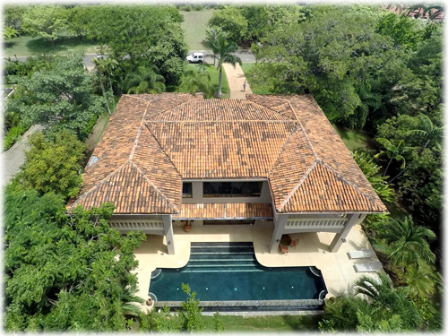 close to the beach, luxury real estate, tamarindo real estate, beach, private beach