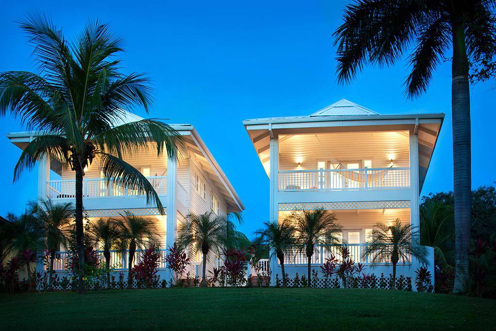Beachfront hotel property surrounded by natural beauty for Luxury beach boutique hotels
