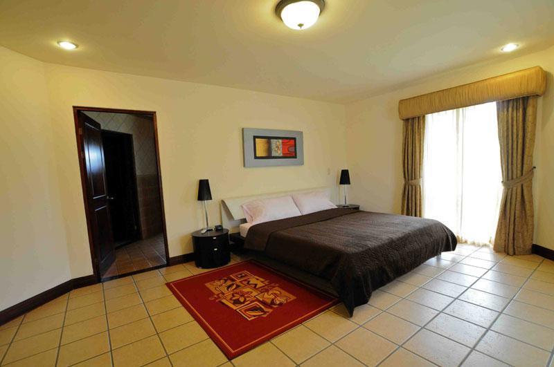Home For Sale In Santa Ana Id Code 1823