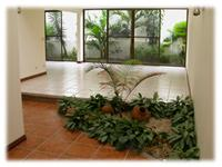 Beautiful and secure condo on the hills of Escazu