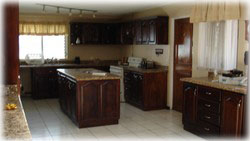 maid room, 4 bedroom,studio, home for sale, costa rica real estate, cozy house, cariari home
