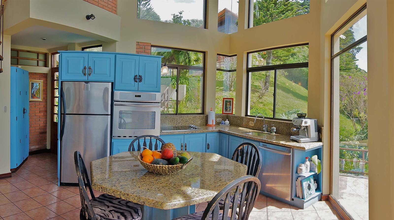 Executive Or Multi Family Estate For Sale With Mountain