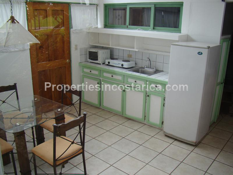 Studio for rent in trejos escazu id code 1924 for Studio apartment kitchen appliances