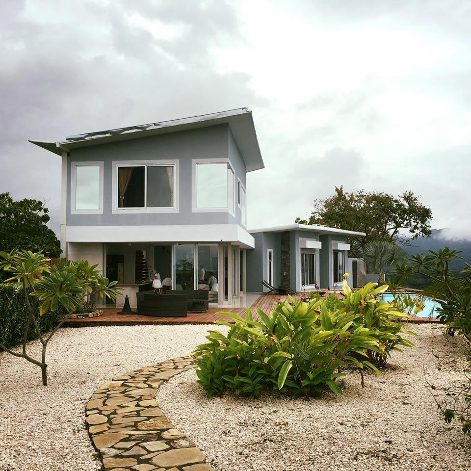 Costa Rica Homes for Sale - Magazine cover