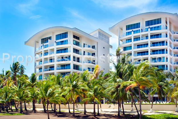 Beachfront condo for rent in jaco id code 1900 for Vacation homes for rent in costa rica