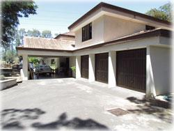 Costa Rica real estate, Costa Rica Cariari, golf neighborhood, large homes, estate homes, swimming pool, investment potential
