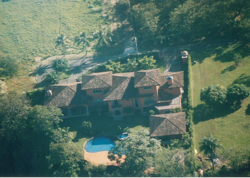 Luxurious mansion in exclusive community of santa ana id for Mansions in costa rica
