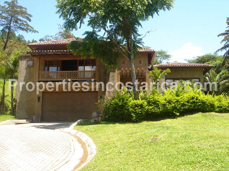 Luxurious balinese home for rent in escazu id code 1999 for Costa rica house rental